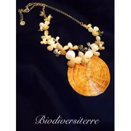 Collier papillonne d'or en or